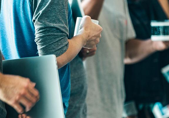 Como cada geração pode influenciar na contratação?